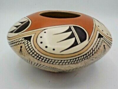 Tyra Naha Hopi Native American Indian Pottery Bearclaw Seed Pot Feather & Spider
