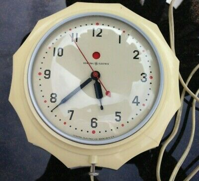 Vintage General Electric Ge Kitchen Wall Clock Model 2H02 Red Dot