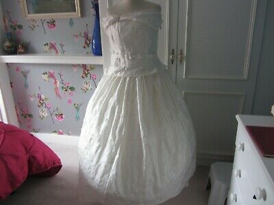 Job lot of vintage wedding dresses mixed sizes and makes x6