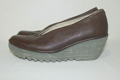 d3dcdb42d83e2 Fly London Brown Leather Yaz Wedge Court Women's Slip On Shoes Size 41/10-
