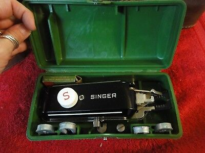 Vintage Singer Buttonholer 160506 Sewing Machine Attachment in Case 5 templates