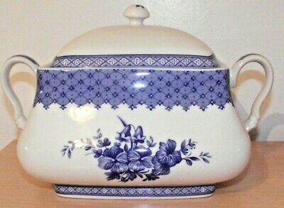 Large Churchill Out of The Blue Lidded Tureen / Serving Dish