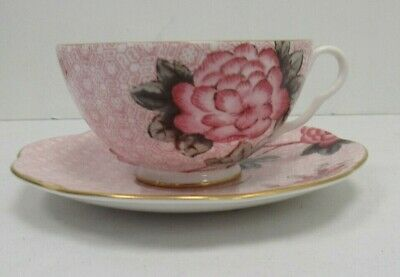 Wedgwood Cuckoo Pink Teacup and Saucer in box - YEO P30