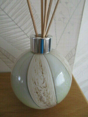Beautiful Hand Made Amelia Art Glass Reed Diffuser Pastel Grey Tones boxed Gift