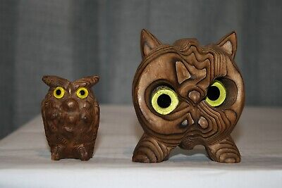 Pair Of Vintage Hand Carved Cryptomeria Wood Burned Owl Bird Figurine Glass Eyes