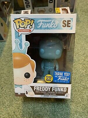 Funko Pop! 2017 Limited Edition Exclusive SE Freddy Funko + Free Protector Glows