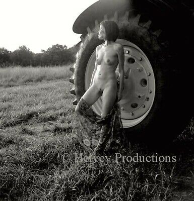 EASTERN RISING SUN, collectible art nude exhibition print, signed/dated Helvey