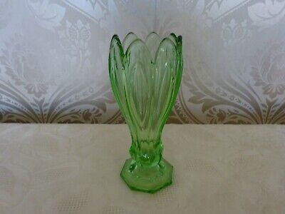 Vintage retro Art Deco Green Glass Footed Hyacinth Decorative Vase 16cm Tall
