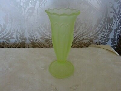 Vintage retro Art Deco Green Glass Frosted Footed Decorative Vase 20cm Tall