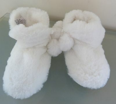 Next Girls Slippers Boots Infant 6 23 New Tags White Fluffy Furry Pom Pom