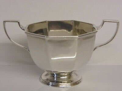 A FINE ANTIQUE SOLID STERLING SILVER TWIN HANDLED SUGAR BOWL - Sheffield 1913