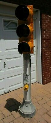 Mark IV Eagle Signal Traffic Light On Pole Complete Triple Gas & Oil Stand Up