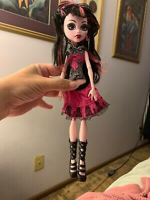 Mattel Draculaura Monster High Doll Pink And Black