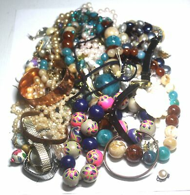 0.7kg Bulk Collection of COSTUME JEWELLERY & WATCHES - H65