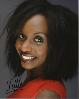 Photo Doctor Who Velile Tshabalala in person signed autograph