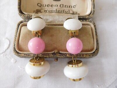 Splendid Vintage 1960s Pink & White Lucite Drop Clip On Earrings
