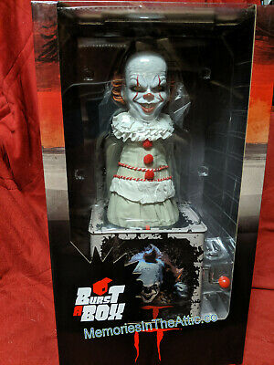 Mezco Toyz Pennywise Clown It Movie Burst A Box Jack in the Box Horror Figure 14