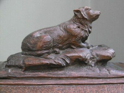 SUPERB 19thc BLACK FOREST OAK CARVED BOX WITH DOG LAYING ON TOP C.1870
