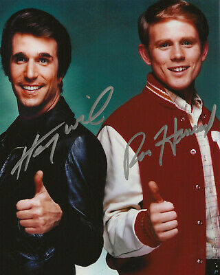 1970s Happy Days TV Show Ron Howard / Henry Winkler Autographed 8x10 W/COA