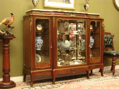 FINE VINTAGE FRENCH MAHOGANY, MARBLE + BRASS 3 DOOR DISPLAY CHINA CABINET c1930s