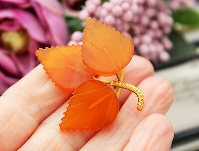 Vintage 9Kt Gold Russian Baltic Butterscotch Amber Leaf Brooch Pin