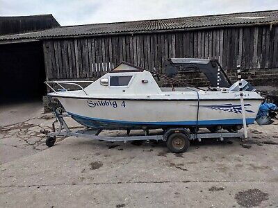 16 ft Fishing / Pleasure Boat With Evinrude 2 Stroke Engine And Roller Trailer