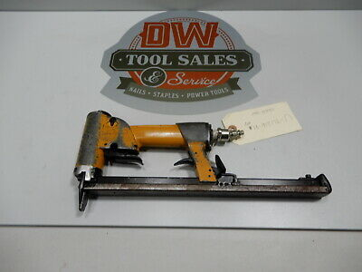 Bostitch TU216-71LM Upholestry Stapler 71 Series Long Magazine (USED)