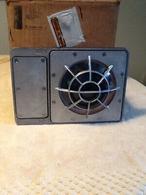 Vintage Kim Lighting Industrial Outdoor Light. Nos  Unused In Box