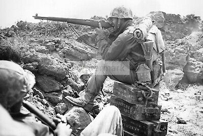WWII photo US Marine Aiming from M1 Garand Rifle During Iwo Jima Fights 1388