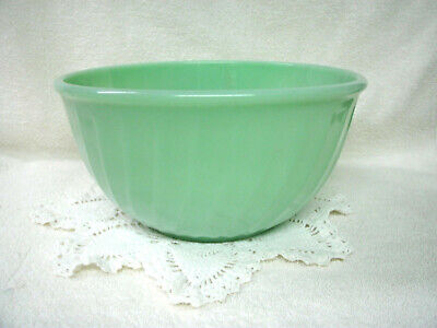 "Vintage FIRE KING Swirl Mixing Bowl-- Jadeite Green--Oven Ware-- 9"" -Original"