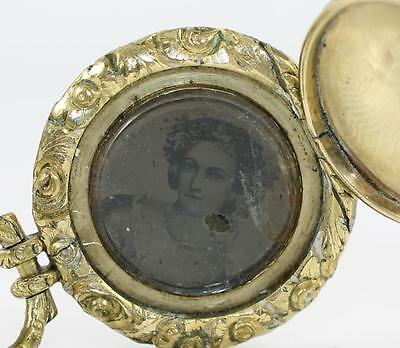 Vintage Antique Victorian 10K Yellow Gold & Filled Locket Pendant w/Picture QYG5