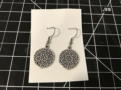 Vine style circle round shape flower hollow design  drop earrings