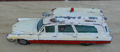 Altes Modell - Dinky Toys - Cadillac Cassis - Retter Ambulance - Made in England