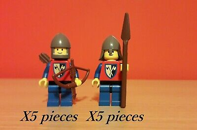 LEGO Castle Castello Set Crusaders / Lion Knights con 10 minifigures