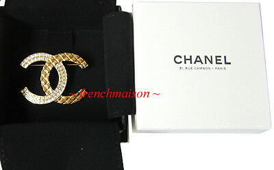 AUTHENTIC CHANEL CC PIN BROOCH Gold Crystal 2017 + 31 RUE CAMBON Paris Box New