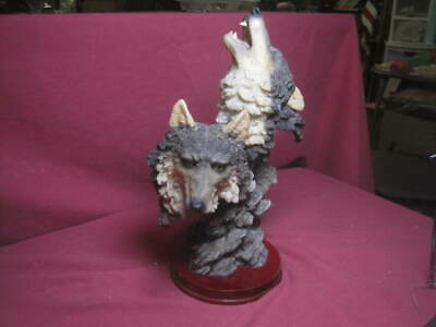 """2 Wolves Wolf Figurine Bust Statue 10 1/2"""" Heavy Resin on Wood Base EXCEPTIONAL!"""
