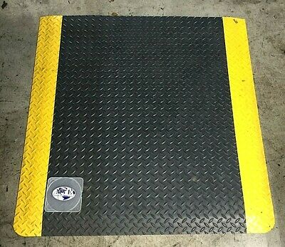 "NOTRAX CUSHION ANTI-FATIGUE MAT 3'3/4""x3'x9/16"" 3'6""x3'x9/16"" 3'9.5""x3'x9FT LOT"