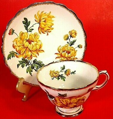 Rosina Bone China Cup And Saucer. Yellow Floral Scalloped Brushed Gold England