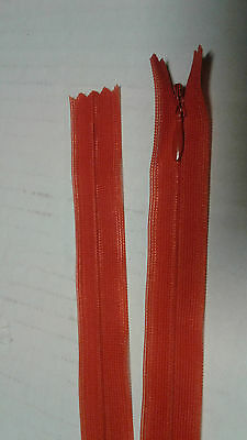 Lot 10 fermeture éclair YKK invisible 18 cm non separable col 024