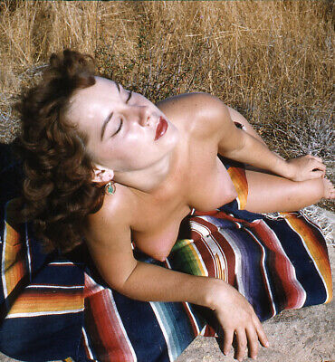 Vintage Stereo Realist Photo 3D Stereoscopic Slide NUDE Redhead on Grassy Sand