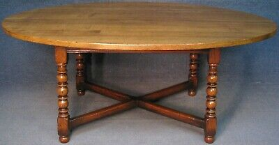 Titchmarsh And Goodwin Solid English Oak Large Oval Dining Table