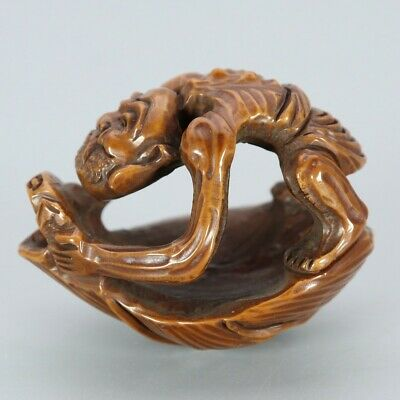 Chinese Exquisite Handmade people Carving Olive nucleus statue