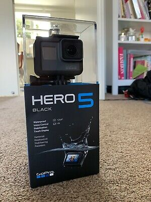 Gopro hero 5 black 4k Action Camera With 4 Batteries, Case And Lots Of Extras