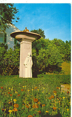 Plymouth,Massachusetts-Statue Of Pilgrim Mother-(Ma1485)-(Mass-P3)