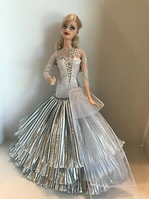 Barbie Doll 2008 Mattel Happy Holidays Special Edition Rooted Eyelashes Shoes
