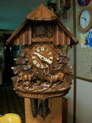 Vintage Buck & Family Chalet   Cuckoo Clock                   Germany