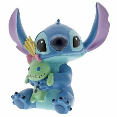 Disney Showcase - Stitch Hugs - Stitch with Doll