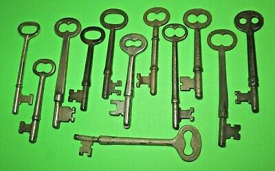 lot of 12 VINTAGE SKELETON KEYS ANTIQUE KEY MORE OLD ANTIQUE KEYS LISTED