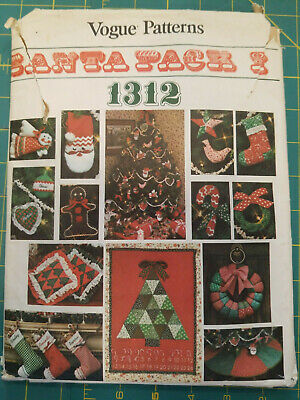 Vintage Vogue 1312 Santa Pack I, Christmas crafts; advent,stocking,wreath,skirt