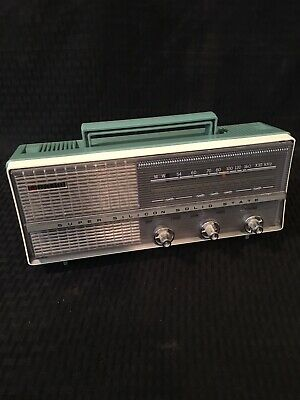 VINTAGE RARE SUPER SILICON SOLID STATE TRANSISTOR AM RADIO BM-709 Working Nice